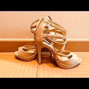 Nude shoe mint platform shoes